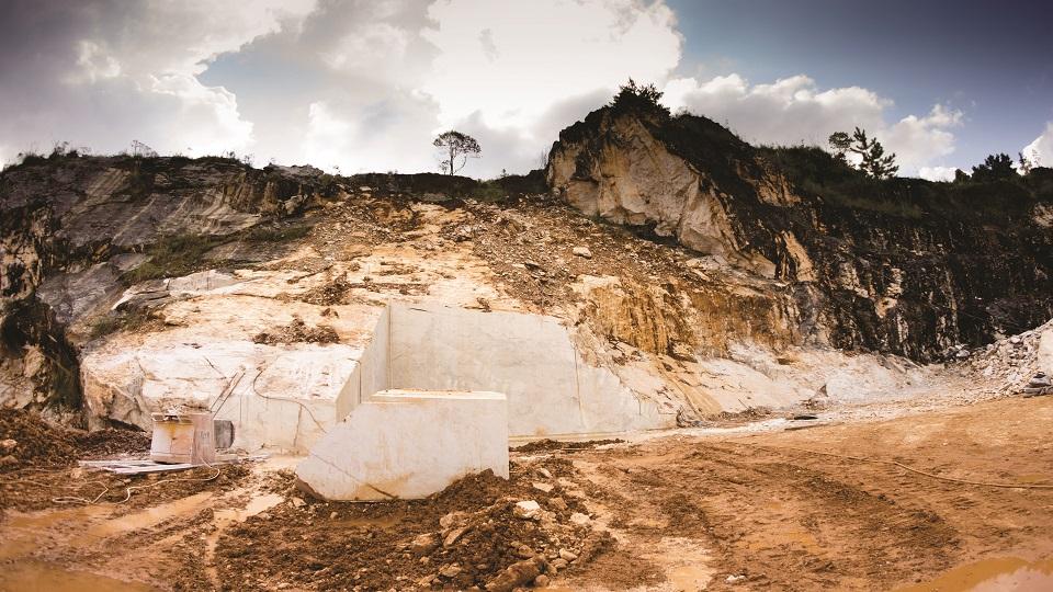 Jazida Branco Paraná - Paraná Granitos