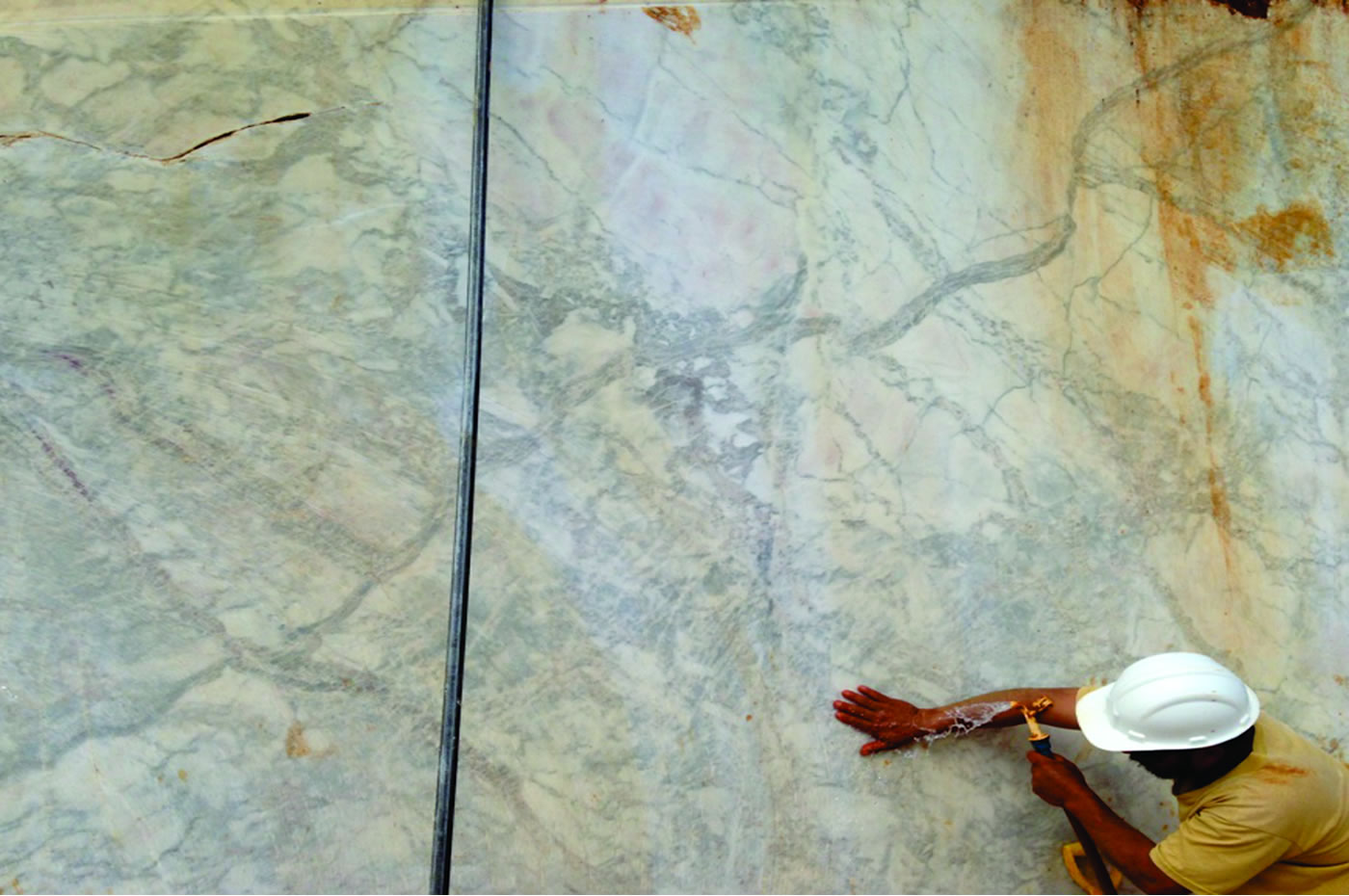 White PR Quarry from Paraná Granitos