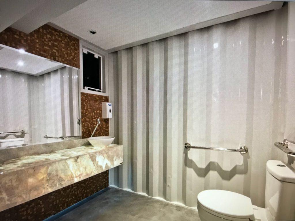 Pietra Fina em banheiro da Total Storage Boulevard