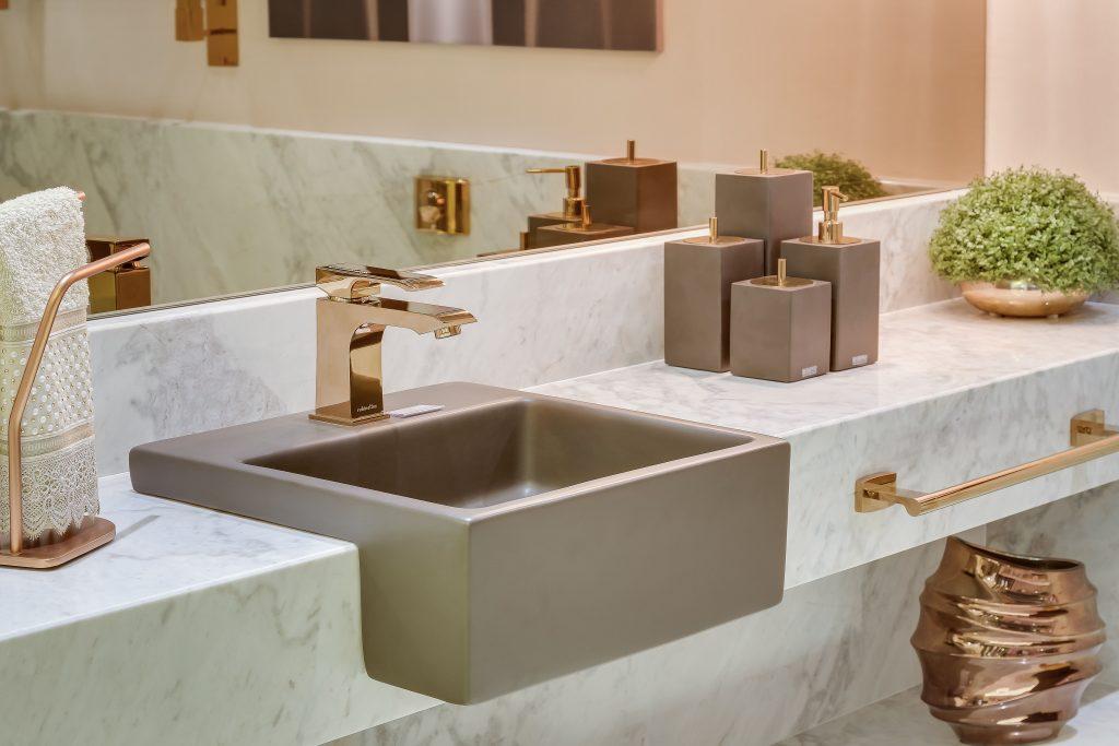 Acabamento em Marmore Branco - Banheiro