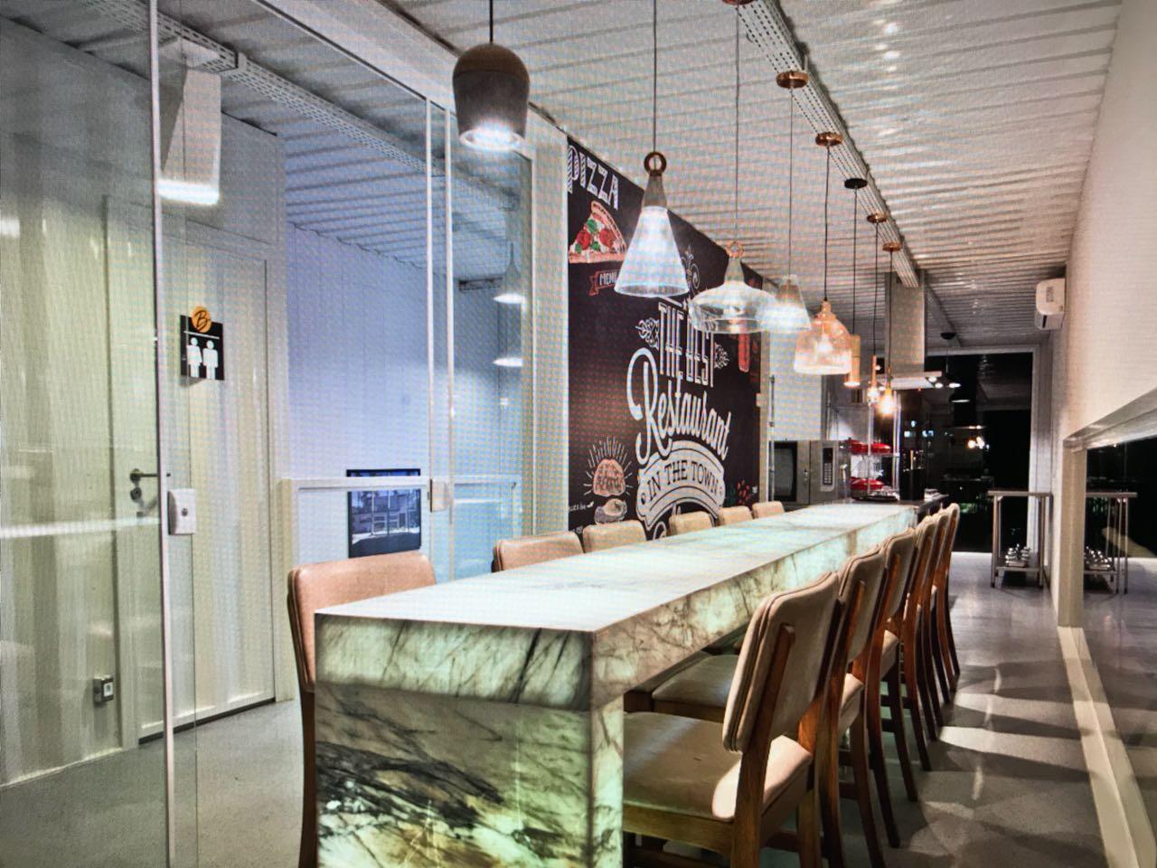Restaurante com Pietra Fina - Total Storage Boulevard