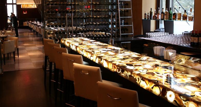 Bar com superfície de quartzo