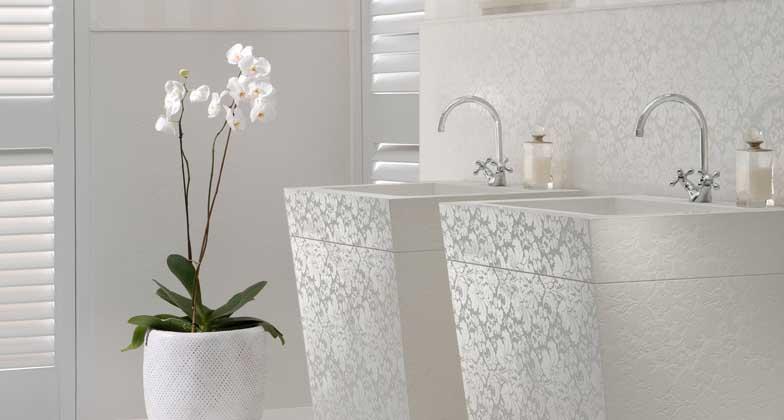 Banheiro branco - Superfície de quartzo
