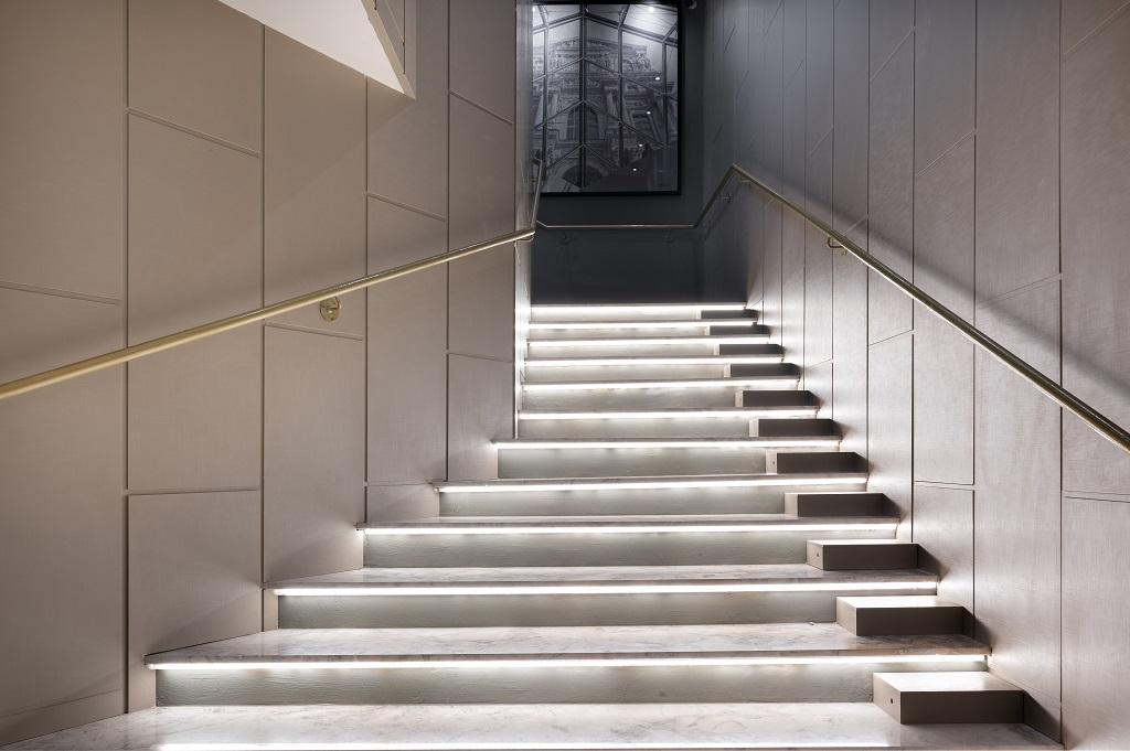 escadas e pisos