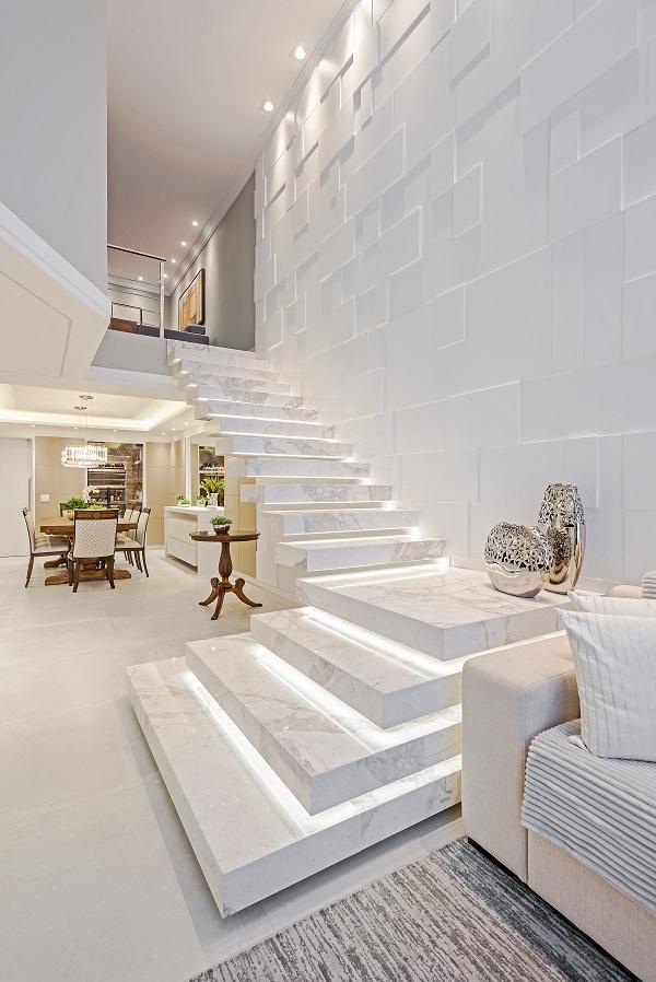 escada mármore perlato